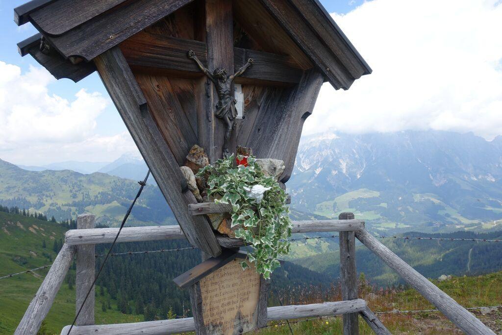 Gipfelkreuz mit Jesusfigur