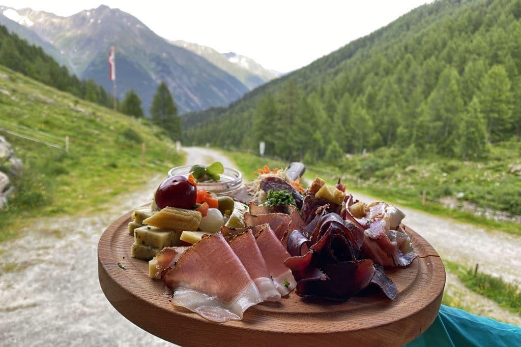 Brettjause auf der Larein Alpe